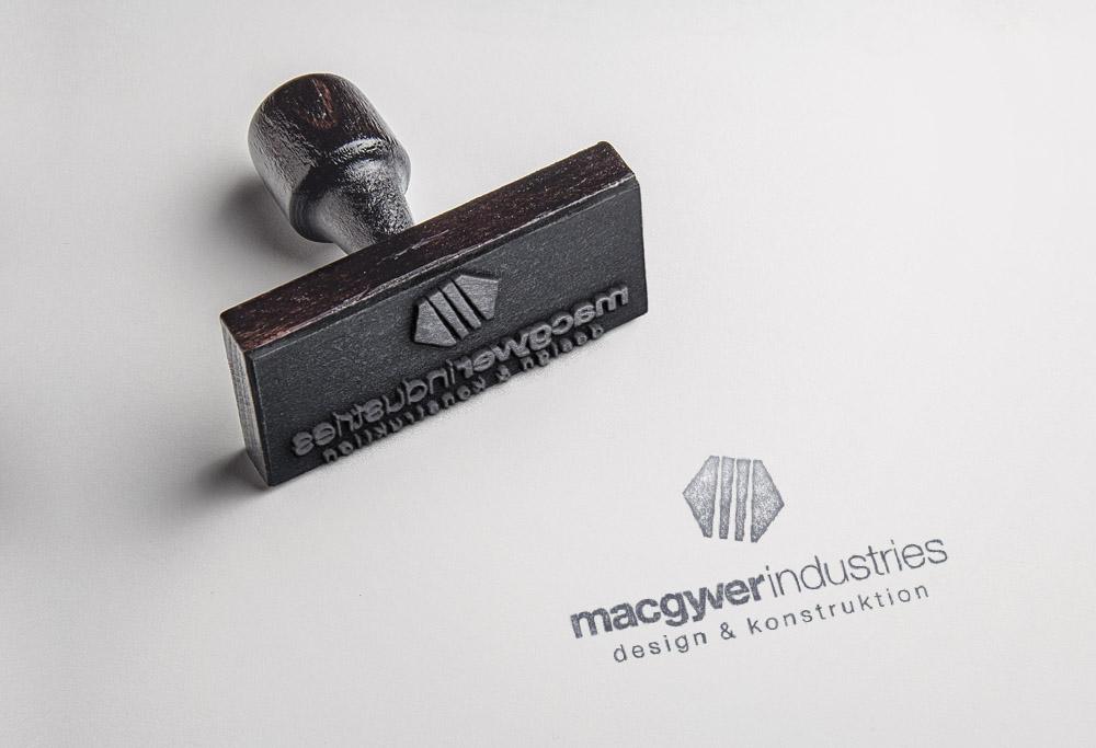 Macgyver Stempel